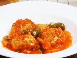 ミートボールとピーマンのトマト煮