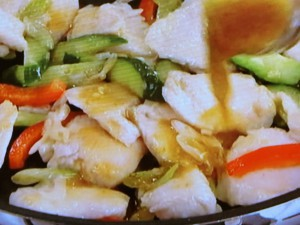 鶏とキュウリのピリ辛和風炒め