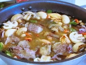 もこみち流 牛肉と豆のサルサ煮込み