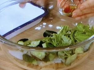 長芋ときゅうり、香菜のごま油あえ