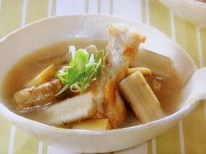ごぼうと鶏肉のスープ