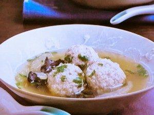 きびだんごとセロリの中華スープ