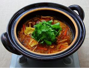 キムチ鍋の残りで「トムヤム風スープヌードル」