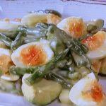 ゆで卵、アボカド、いんげんのサラダ