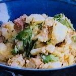 さばみそ煮缶と香菜のポテトサラダ