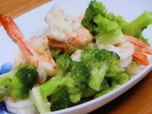 海老とブロッコリーの塩麹炒め