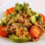 牛肉とアボカドのサラダ
