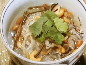 乾物のうまみたっぷり春雨スープ
